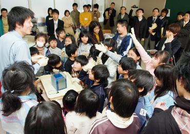 小学校~大学での めっき教室実施